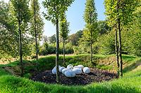 """France, Domaine de Chaumont-sur-Loire, Festival International des Jardins, Prés du Goualoup, """"le volcan"""" par Nils-Udo"""