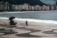 RIO DE JANEIRO; RJ; 27 DE MARÇO 2013 - CLIMA TEMPO RIO DE JANEIRO -  A orla de Copacabana durante a tarde desta quarta-feira chuvosa. FOTO: NÉSTOR J. BEREMBLUM - BRAZIL PHOTO PRESS.