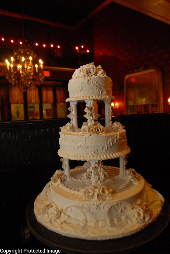Sean Yseult and Chris Lee's wedding cake, Saturday, Jan. 12, 2008.