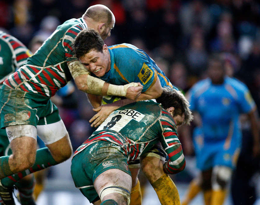 Photo: Richard Lane/Richard Lane Photography. Leicester Tigers v London Wasps. LV= Cup. 26/01/2013. Wasps' Will Rowlands attacks.