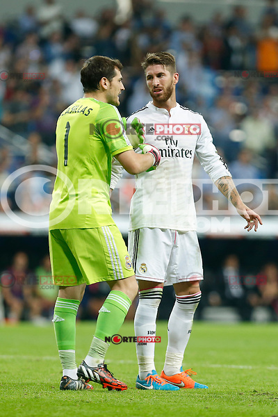 Real Madrid´s goalkeeper Iker Casillas argues with Sergio Ramos (R) during La Liga match between Real Madrid and F.C. Barcelona in Santiago Bernabeu stadium in Madrid, Spain. October 25, 2014. (ALTERPHOTOS/Victor Blanco) /nortephoto.com