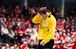 Eskilstuna 2014-10-03 Handboll Elitserien Eskilstuna Guif - Alings&aring;s HK :  <br /> Sk&ouml;vdes m&aring;lvakt Joakim Svensson deppar<br /> (Foto: Kenta J&ouml;nsson) Nyckelord:  Eskilstuna Guif Sporthallen IFK Sk&ouml;vde HK depp besviken besvikelse sorg ledsen deppig nedst&auml;md uppgiven sad disappointment disappointed dejected