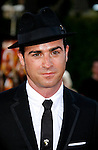 "Producer and Co-Writer Justin Theroux arrives at the Los Angeles Premiere Of ""Tropic Thunder"" at the Mann's Village Theater on August 11, 2008 in Los Angeles, California."