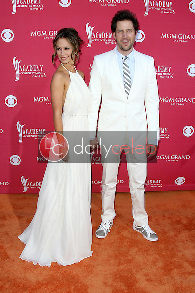 Jennifer Love Hewitt and Jamie Kennedy<br />