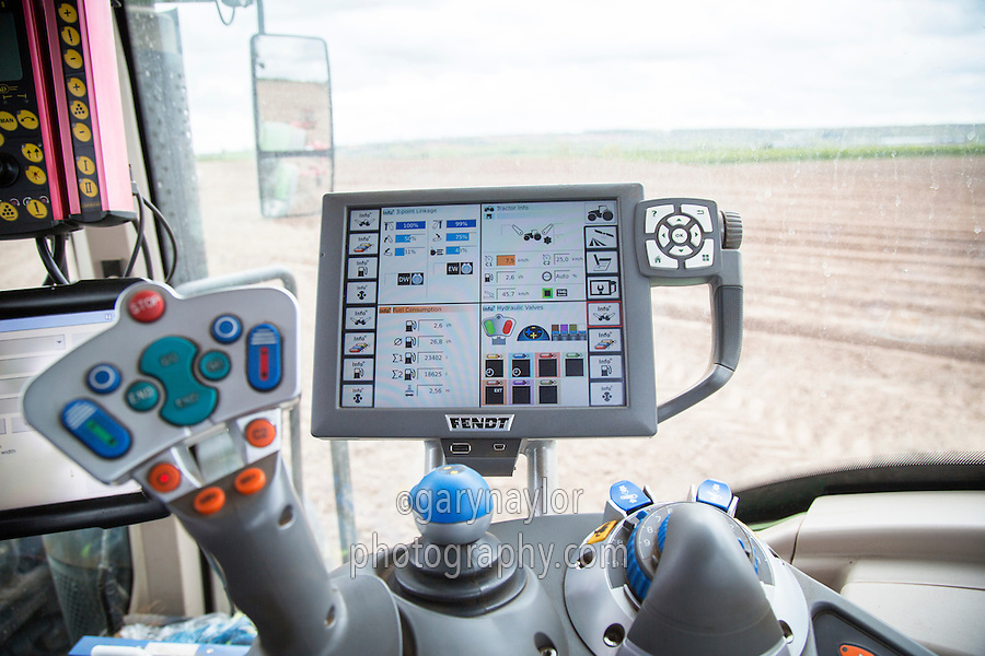 Fendt tractor control screen