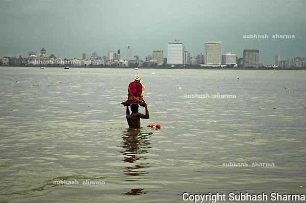 Ganesha festival is the most popular festivalof Mumbai,India