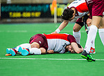 ALMERE - Hockey - Hoofdklasse competitie heren. ALMERE-HGC (0-1) . blessure bij Stijn Jolie (Almere) .  COPYRIGHT KOEN SUYK