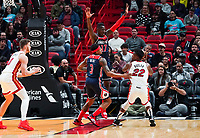 Isaac Bonga (G/F, Washington Wizards, #17) gegen Jimmy Butler (G/F Miami Heat, #22) - 22.01.2020: Miami Heat vs. Washington Wizards, American Airlines Arena