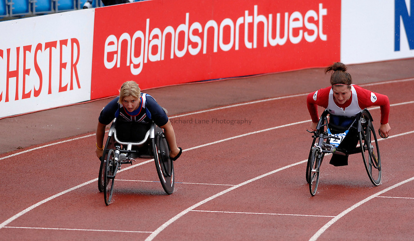 Photo: Richard Lane..VISA Paralympic World Cup 2007. Athletics. 13/05/2007. .Shelley Woods of Great Britain (lt) and Tatyana McFadden of USA in the women's T54 400m.