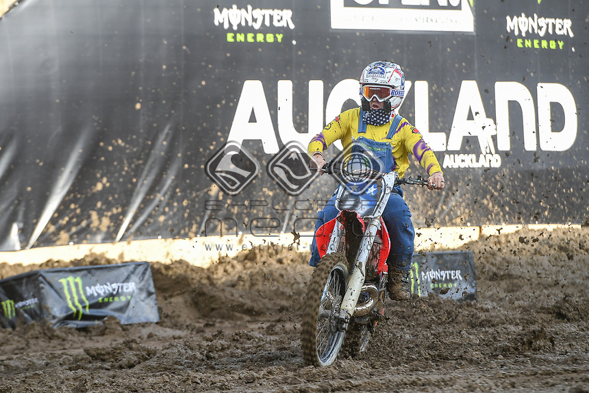 UNCLE RONNIE MAC (USA)<br /> 2018 SX Open - Auckland / SX 1<br /> FIM Oceania Supercross Championships<br /> Mt Smart Stadium / Auckland NZ<br /> Saturday Nov 24th 2018<br /> © Sport the library/ Jeff Crow / AME