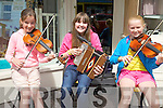 From Killorglin taking part in the Credit Union Busking Competition at the Cahersiveen Festival of Music & the Arts on Saturday were l-r; Milly Foley, Niamh Doyle & Orlaith O'Sullivan.
