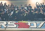 Solna 2015-10-04 Fotboll Allsvenskan AIK - Malm&ouml; FF :  <br /> Ett br&aring;k uppst&aring;r mellan Malm&ouml;s supportrar och ordningsvakter i pausen under matchen mellan AIK och Malm&ouml; FF <br /> (Foto: Kenta J&ouml;nsson) Nyckelord:  AIK Gnaget Friends Arena Allsvenskan Malm&ouml; MFF slagsm&aring;l br&aring;k fight fajt gruff supporter fans publik supporters