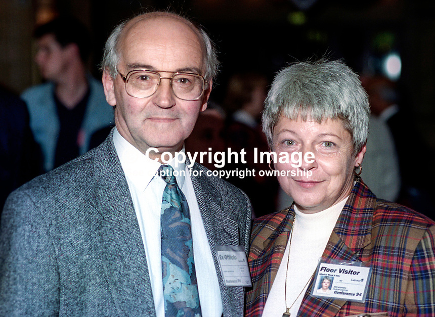 Harry Barnes, MP, Labour Party, UK, annual conference, September 1994, with wife, Ann Barnes, 19940930HB1<br />