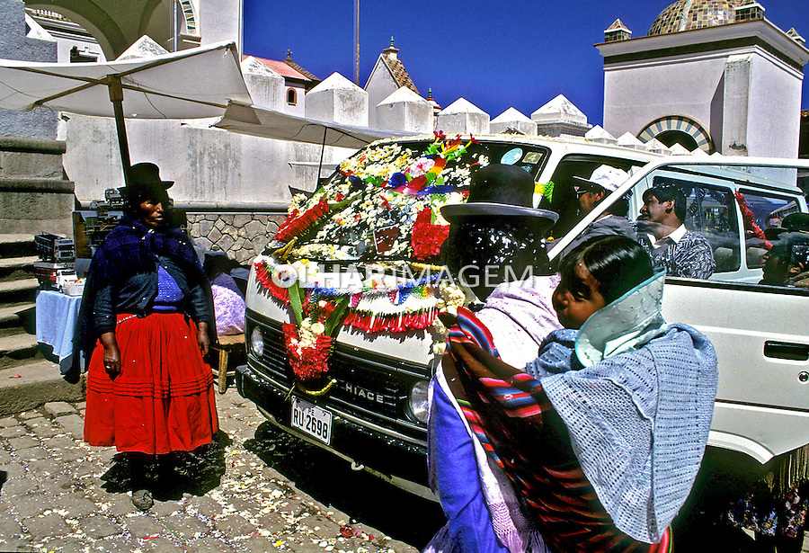 Peregrinos em Copacabana. Bolivia. 1998. Foto de Juca Martins.