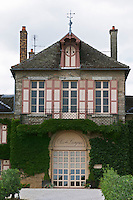 the main building clos des langres ardhuy nuits-st-georges cote de nuits burgundy france
