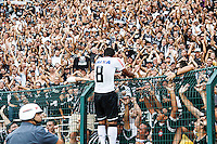 SAO PAULO, SP, 03 FEVEREIRO 2013 - CAMPEONATO PAULISTA - CORINTHIANS x OESTE - Paulinho jogador do Corinthians comemora seu gol durante partida contra o Oeste em partida valida pela quinta rodada do Campeonato Paulista no Estadio Paulo Machado de Carvalho (Pacaembu) na regiao oeste da capital paulista neste domingo, 03. (FOTO: WILLIAM VOLCOV / BRAZIL PHOTO PRESS).