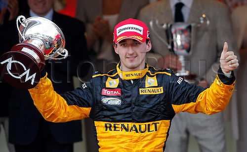 16 05 2010   Formula 1 Grand Prix from Monaco Monte Carlo. motor racing Formula 1 Grand Prix GP from Monaco Award Ceremony Picture shows the smiling from Robert Kubica POL Renault who came in third in the race and took the 3rd place trophy and points
