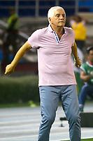 BARRANQUIILLA - COLOMBIA, 24-07-2018: Julio Comesaña técnico del Atlético Junior de Colombia gesticula durante partido contra Lanús de Argentina de la segunda fase, llave 13, por la Copa CONMEBOL Sudamericana 2018 jugado en el estadio Metropolitano Roberto Meléndez de la ciudad de Barranquilla. / Julio Comesaña coach of Atlético Junior of Colombia gestures during match against Lanus of Argentina of the second phase, key 13, for the Copa CONMEBOL Sudamericana 2018played at Metropolitano Roberto Melendez stadium in Barranquilla city.  Photo: VizzorImage / Alfonso Cervantes / Cont