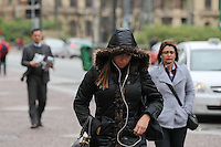 SAO PAULO, SP,  28/07/2014,, FRIO.  A segunda-feira (28) comecou com muito frio nas ruas centrais da capital paulista.  Luiz  Guarnieri/Brazil Photo Press.