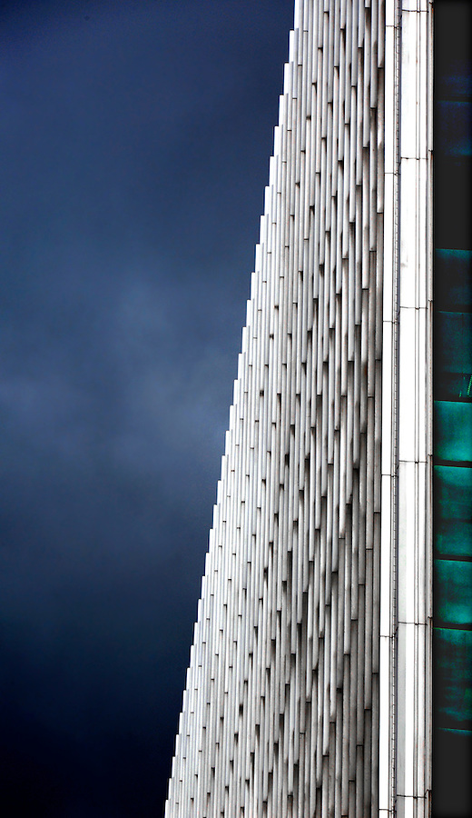 copyright JimMendenahallPhotos.com 2013 Pittsburgh, PA architecture. Gateway Tower