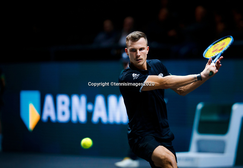 Rotterdam, The Netherlands, 10 Februari 2020, ABNAMRO World Tennis Tournament, Ahoy, Roberto Bautista Agut (ESP), Marton Fucsovics (HON).<br /> Photo: www.tennisimages.com