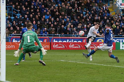 31.01.2016. Brunton Park, Carlisle, England. Emirates FA Cup 4th Round. Carlisle United versus Everton.Seamus Coleman of Everton fires a shot from close range.