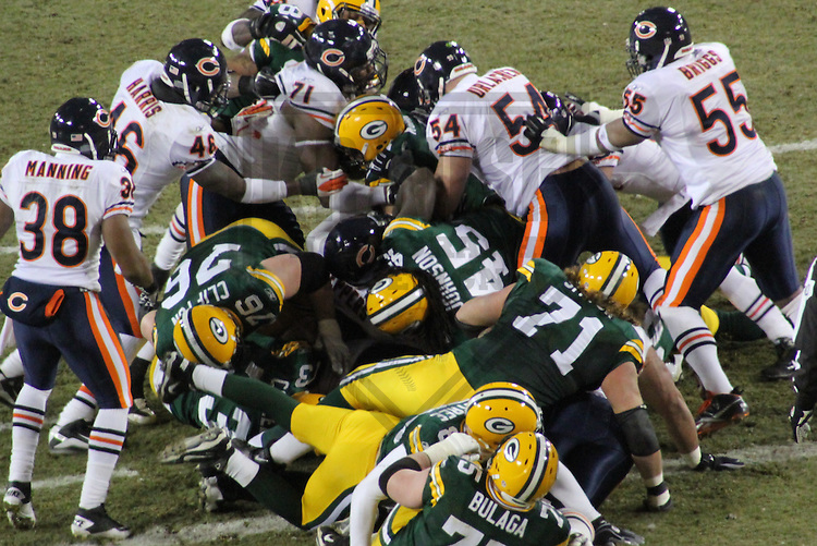 GREEN BAY - JANUARY 2011:  The Green Bay Packers and the Chicago Bears during a game on January 2, 2011 at Lambeau Field in Green Bay, Wisconsin. (Photo by Brad Krause)
