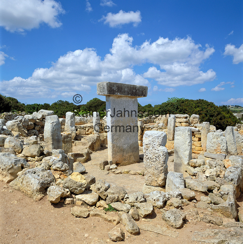 Spain, Balearic Islands, Menorca: Ancient Ruins Torralba den Salord - archaeological excavation | Spanien, Balearen, Menorca: archaeologische Ausgrabungsstaette Torralba d'en Salord (auch Torralba d'en Salort)