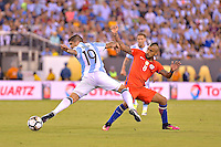 Action photo duringthe match Argentina vs Chile corresponding to the Final of America Cup Centenary 2016, at MetLife Stadium.<br /> <br /> Foto durante al partido Argentina vs Chile cprresponidente a la Final de la Copa America Centenario USA 2016 en el Estadio MetLife , en la foto:(i-d) Ever Banega de Argentina y Arturo Vidal de Chile<br /> <br /> 26/06/2016/MEXSPORT/ISAAC ORTIZ