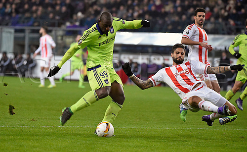 18.02.2016. Anderlecht, Brussels, Belgium. UEFA Europa League football. Anderlecht versus Olympiakos.  Okaka Stefano forward of Rsc Anderlecht and Manuel da Costa of Olympiacos Fc