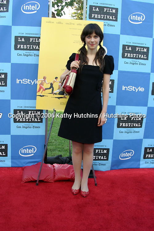 "Zooey Deschanel.""Little Miss Sunshine"" Premiere.Wadsworth Theater.Westwood, CA.July 2, 2006.©2006 Kathy Hutchins / Hutchins Photo...."
