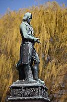 Europe/France/Rhône-Alpes/74/Haute-Savoie/Annecy: Statue de Claude Louis Berthollet dans les jardins de l'Europe
