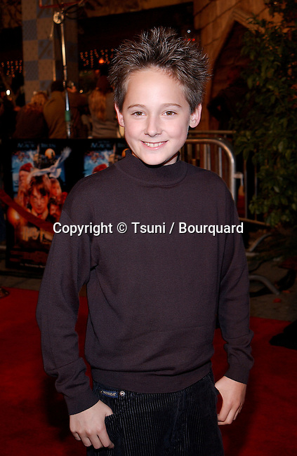 Jake thomas - Artificiel Intelligence -   arriving at the premiere of Harry Potter and the Sorcerer's Stone at the Westwood Village Theatre in Los Angeles. November 14, 2001.            -            ThomasJake_A.rtifIntell02.jpg