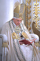 Celebration of the second vespers Pope Benedict XVI  of Saint Paul  basilica in Rome. January 25, 20
