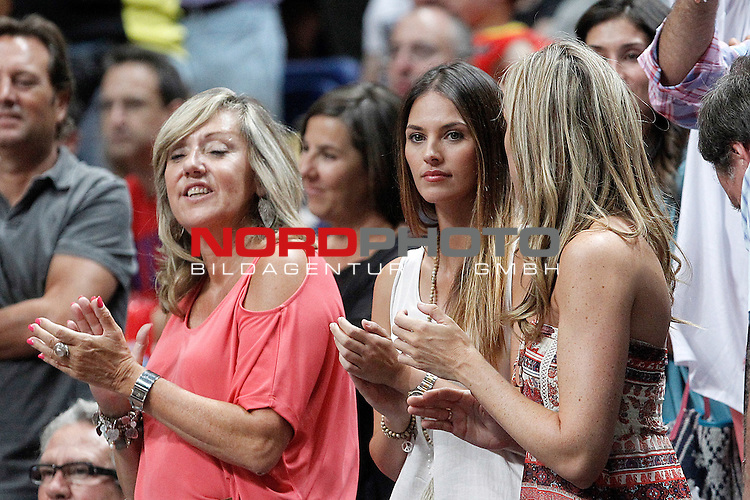 Spain's Rudy Fernandez's mother (r) and girlfriend the spanish model Helen Lindes during friendly match.August 23,2012. Foto © nph / Acero)