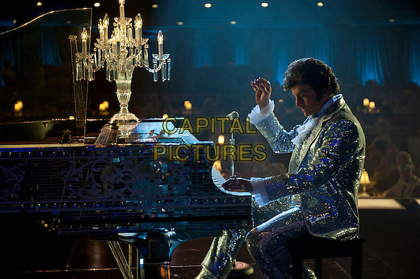MICHAEL DOUGLAS<br /> in Behind the Candelabra (2013) <br /> *Filmstill - Editorial Use Only*<br /> CAP/FB<br /> Supplied by Capital Pictures