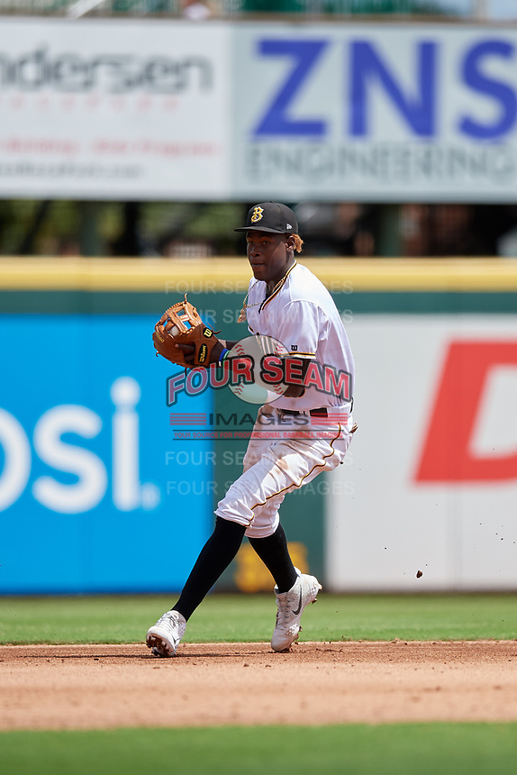 Bradenton Marauders shortstop Oneil Cruz (13) throws to third base to record an out during a Florida State League game against the Charlotte Stone Crabs on April 10, 2019 at LECOM Park in Bradenton, Florida.  Bradenton defeated Charlotte 2-1.  (Mike Janes/Four Seam Images)