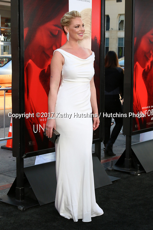 """LOS ANGELES - APR 18:  Katherine Heigl at the """"Unforgettable"""" Premiere at TCL Chinese Theater IMAX on April 18, 2017 in Los Angeles, CA"""