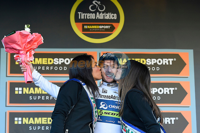 Adam Yates (GBR) Orica-Scott takes over the young riders Maglia Bianca Stage 4 of the 2017 Tirreno Adriatico running 187km from Montalto di Castro to Terminillo, Italy. 11th March 2017.<br /> Picture: La Presse/Fabio Ferrari  | Cyclefile<br /> <br /> <br /> All photos usage must carry mandatory copyright credit (&copy; Cyclefile | La Presse)
