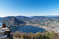 Switzerland, Ticino, view from Monte Bre across Lago Lugano and Lugano city with Monte San Salvatore | Schweiz, Tessin, Blick vom Monte Bre auf Lugano am Luganer See mit dem Hausberg Monte San Salvatore