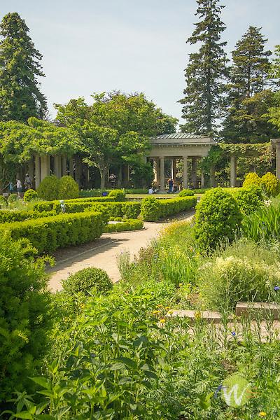 Harkness Memorial State Park. West garden. Long Island Sound.