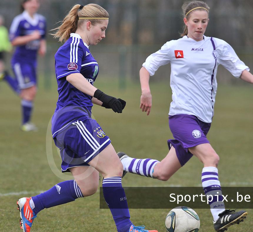 RSC Anderlecht Dames - Beerschot :  Jana Coryn voor Lisa Korevaar.foto DAVID CATRY / Vrouwenteam.be