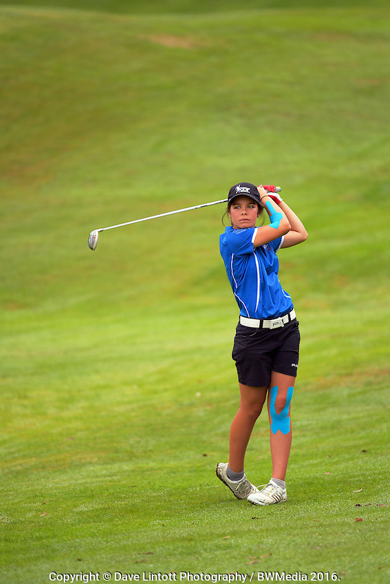 Lizzie Neale (Tasman). 2016 Toro Women's Interprovincial Golf Championship at Westown Golf Club in New Plymouth, New Zealand on Friday, 9 December 2016. Photo: Dave Lintott / lintottphoto.co.nz