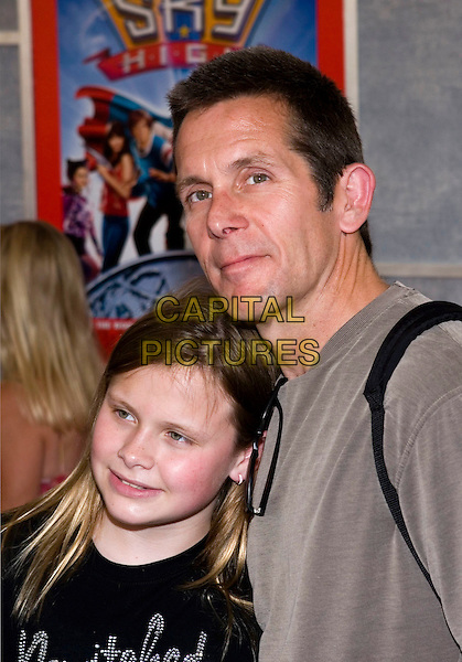 GARY COLE & DAUGHTER.Walt Disney Pictures' World Premiere of 'Sky High' held at the El Capitan Theatre, Hollywood, California.  .July 24th, 2005.Photo Credit: Zach Lipp/AdMedia.headshot portrait father family.www.capitalpictures.com.sales@capitalpictures.com.© Capital Pictures.