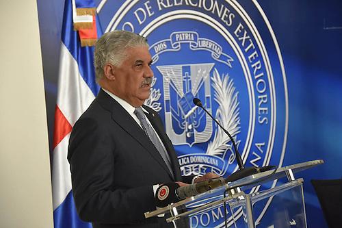 La decisión fue anunciada por el ministro de Relaciones Exteriores, Miguel Vargas
