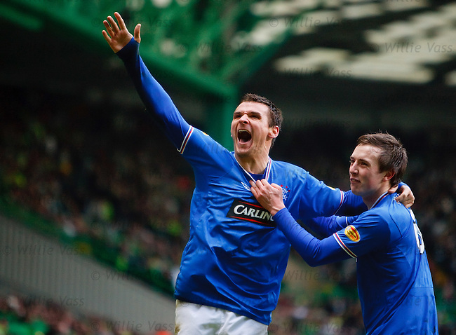 Lee McCulloch celebrates his goal for Rangers with team-mate Danny Wilson