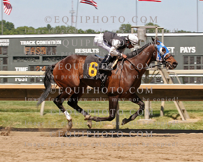 Nkosi Reigns winning at Parx on 5/30/10.  Photo By EQUI-PHOTO