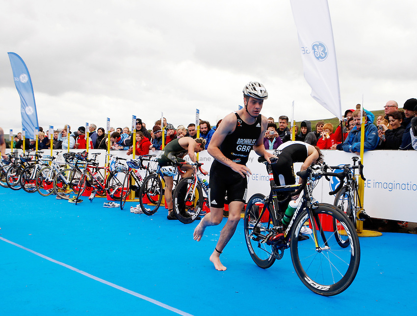 Photo: Richard Lane/Richard Lane Photography. GE Parc Bryn Bach Triathlon. 19/09/2010. Jonathan Brownlee leaves transition during the Elite Mens' race.