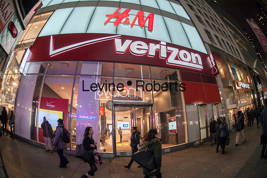 A  Verizon Wireless store in New York on Tuesday, February 16, 2016.  (© Richard B. Levine)