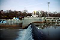 Pleissewehr an der Pleisse in Markkleeeberg AGRA, Leipzig Süd Lössnig-Connewitz. Südraum, Wasser, Boot, Natur, Leipzig Land, Neuseennland. Photo.:Stefan Nöbel-Heise
